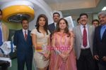 Priyanka Chopra, Tina Ambani at the launch of Novaltis Radiosuregery scanner for tumors in Ambani Hospital on 16th Aug 2009 (4).JPG