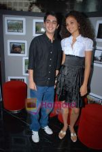 Ayesha Kapur, Parzun Dastur at Sikandar promotional event in PVR on 17th Aug 2009 (4).JPG