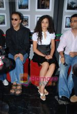 Ayesha Kapur, Vidhu Vinod Chopra, Sanjay Suri at Sikandar promotional event in PVR on 17th Aug 2009 (2).JPG