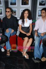 Ayesha Kapur, Vidhu Vinod Chopra, Sanjay Suri at Sikandar promotional event in PVR on 17th Aug 2009 (63).JPG