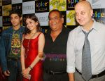 Satish Kaushik, Sheena, Ruslaan Mumtaz, Anupam Kher at the Press Conference and Premiere of film Teree Sang in Spice World, Noida on 6th Aug 2009 (2).JPG