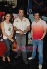 Tusshar Kapoor, Prachi Desai, Fardeen Khan at the Special screening of Life Partner in PVR on 17th Aug 2009 (83).JPG