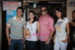 Tusshar Kapoor, Prachi Desai, Genelia D Souza, Fardeen Khan sell the tickets to promote the film in Galaxy, Bandra on 17th Aug 2009 (2).JPG