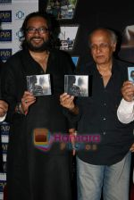 Mahesh Bhatt, Ismail Darbar at Ismail Darbar_s music for film The Unforgettable in PVR on 18th Aug 2009 (7).JPG