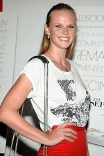 Anne V at the NY Premiere of THE SEPTEMBER ISSUE in The Museum of Modern Art on 19th August 2009.jpg