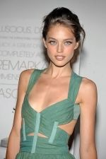 Emily DiDonato at the NY Premiere of THE SEPTEMBER ISSUE in The Museum of Modern Art on 19th August 2009.jpg