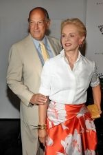 Oscar de la Renta, Carolina Herrera at the NY Premiere of THE SEPTEMBER ISSUE in The Museum of Modern Art on 19th August 2009.jpg