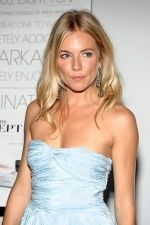 Sienna Miller at the NY Premiere of THE SEPTEMBER ISSUE in The Museum of Modern Art on 19th August 2009 (2).jpg