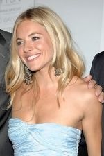 Sienna Miller at the NY Premiere of THE SEPTEMBER ISSUE in The Museum of Modern Art on 19th August 2009.jpg