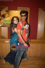 Ravi Kishan, Mona Lisa at Ram Banawle Jodi film launch in Andheri on 25th Aug 2009 (9).JPG