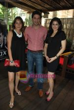 Sagarika Ghatge, Vipul Gupta, Udita Goswami at the Photo Shoot of film Fox in Kaansa, Andheri on 25th Aug 2009 (2).JPG