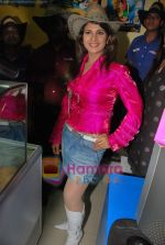 Rambha promotes Dolly of Quick Gun Murugun with Baskin Robbins in Carter Road on 26th Aug 2009 (8).JPG