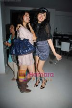 Sonal Sehgal, Jaqueline Fernandes at Sonal Sehgal_s bash in Puro, Bandra on 26th Aug 2009 (4).JPG