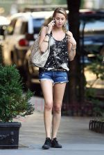 Whitney Port on the set of THE CITY in New York City on 25th August 2009 - IANS-WENN (2).jpg
