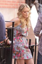 Hilary Duff On The Set Of GOSSIP GIRL in New York City on 26th August 2009 (44).jpg