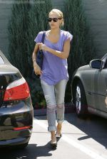 Jessica Alba out running errands in Santa Monica, Los Angeles, California on 27th August 2009 - IANS-WENN (1).jpg