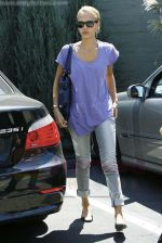 Jessica Alba out running errands in Santa Monica, Los Angeles, California on 27th August 2009 - IANS-WENN (3).jpg