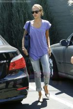 Jessica Alba out running errands in Santa Monica, Los Angeles, California on 27th August 2009 - IANS-WENN (4).jpg