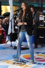 Miley Cyrus Performs On NBC_s TODAY on August 28, 2009 at Rockefeller Center, NY (3).jpg