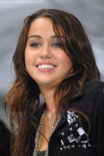 Miley Cyrus Performs On NBC_s TODAY on August 28, 2009 at Rockefeller Center, NY (5).jpg
