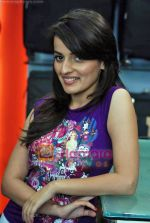 Natasha Bhardwaj promote American Tourister in Khar on 8th Sep 2009 (43).JPG