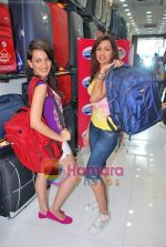 Pooja Kanwal, Natasha Bhardwaj promote American Tourister in Khar on 8th Sep 2009 (3).JPG