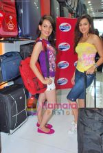 Pooja Kanwal, Natasha Bhardwaj promote American Tourister in Khar on 8th Sep 2009 (4).JPG