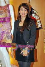 at Kimaya fashion preview in Juhu on 8th Sep 2009 (5).JPG