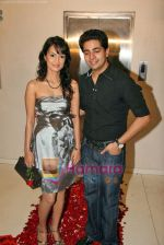 Karan Mehra, Nisha Rawal at Karan Mehra_s bday bash in Marimba Lounge on 10th Sep 2009 (7).JPG