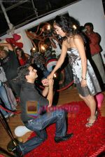 Karan Mehra, Nisha Rawal at Karan Mehra_s bday bash in Marimba Lounge on 10th Sep 2009 (9).JPG
