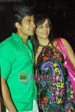 Tina and Hussain at Ekta Kapoor_s beach wear theme bash on 11th Sep 2009 (9).JPG