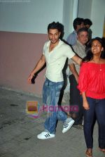 Kunal Khemu at Arpita Khan_s Wanted screening in Ketnav Studio, bandra, Mumbai on 15th Sep 2009 (2).JPG