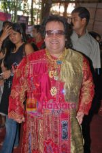 Bappi Lahiri at Durga Puja Festival in Santacruz, Mumbai on 26th Sep 2009 (2).JPG