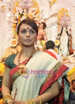 Rani Mukherjee at Durga Puja Festival in Santacruz, Mumbai on 26th Sep 2009 (5).jpg