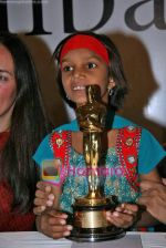 Pinki Kumari Sonkar at Smile Pinki film press meet in Taj Land_s End on 1st Oct 2009 (2).JPG