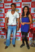 Ajay Devgan, Bipasha Basu at Big Fm studios on 2nd Oct 2009 (16).JPG