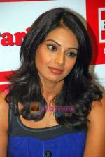 Bipasha Basu at Big Fm studios on 2nd Oct 2009 (11).JPG