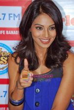 Bipasha Basu at Big Fm studios on 2nd Oct 2009 (9).JPG