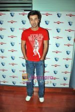 Ranbir Kapoor at Wake Up Sid photo shoot for bookmyshow.com winners in CNN IBN Offic on 3rd Oct 2009 (11).JPG