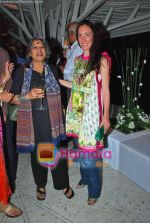 Dolly Thakore, Megan Mylan at Smile Pinki bash in Tote on 4th Oct 2009 (4).JPG