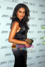 Bipasha Basu at the re- opening of the Jimmy Choo store at Galleria, Trident, Nariman Point, Mumbai on 5th Oct 2009 (3).jpg