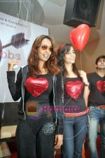 Kashmira Shah, Tina at Candian show Hearthrobs press meet in Marimba Lounge on 5th Oct 2009 (3).JPG