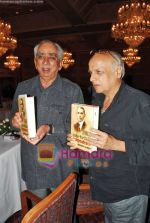 Mahesh Bhatt, Jaswant Singh at Jaswant Singh_s book Jinnah launch in Trident on 6th Oct 2009 (10).JPG
