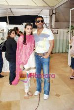 Sunil Shetty, Mana Shetty at Araaish exhibition in Blue Sea on 6th Oct 2009 (2).JPG