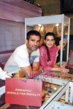 Sunil Shetty, Mana Shetty at Araaish exhibition in Blue Sea on 6th Oct 2009 (37).JPG