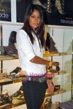 Carol Gracias at Tresmode Fall Winter collection launch in Bandra, Mumbai on 7th Oct 2009 (8).JPG