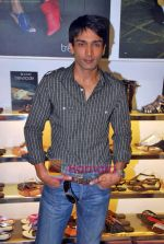 Manish Goel at Tresmode Fall Winter collection launch in Bandra, Mumbai on 7th Oct 2009 (9).JPG
