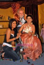 Priyanka Chopra, Tom Alter at Tom Alter_s play The Melody of Love in ITC Grand Maratha on 11th Oct 2009 (2).JPG