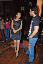 Amrita Rao, Tusshar Kapoor at Maxim magazine launch in Hard Rock Cafe on 14th Oct 2009 (10).JPG