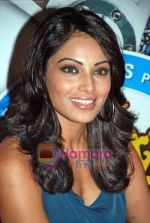 Bipasha Basu at All the Best promotional event in Cinemax on 18th Oct 2009 (11).JPG
